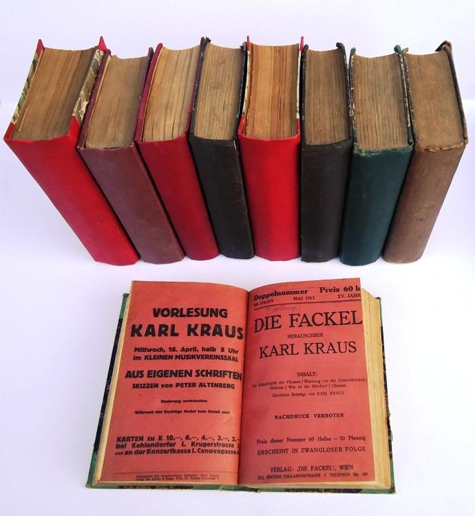 126 Originalnummern DIE FACKEL zwischen 1899 und 1925 + Register der Autoren und Beiträge von 300 Nummern. Gebunden in 12 Halbleinenbänden der Zeit.