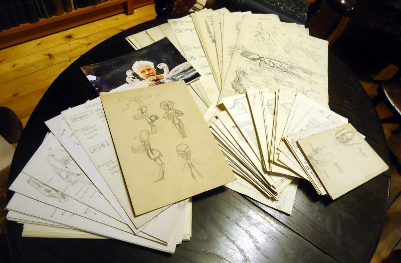 Konvolut aus 229 Blättern mit anatomischen Zeichnungen aus Zoologie und Botanik.