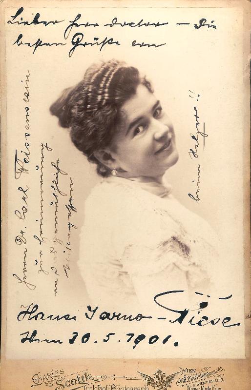Orig. Fotografie von Hansi Niese mit eigenh. Widmung und U. vom 30. V. 1906.