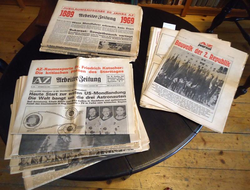 Arbeiter-Zeitung. Zentralorgan der Sozialistischen Partei Österreichs. Konvolut aus 16 Ausgaben aus den Jahren 1959, 1966, 1968, 1969, 1971, 1973, 1974.