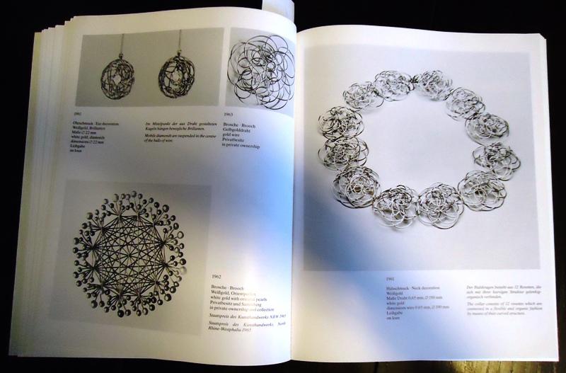 Friedrich Becker, Goldschmied. Schmuck, Silbergerät, Kinetische Objekte 1951 - 1983. Katalog zur Ausstellung vom 10. Februar bis 1. April 1984.