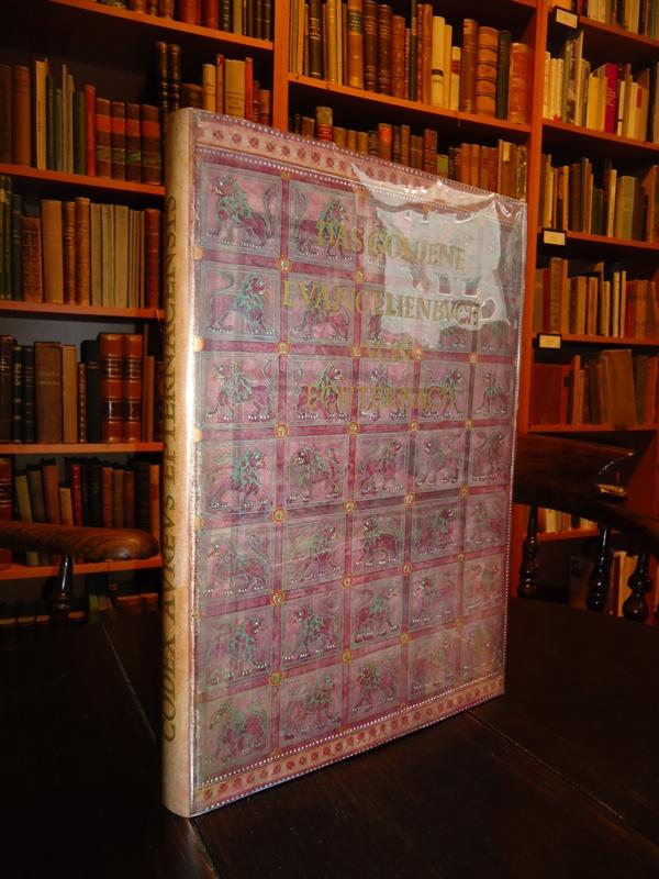 Das Goldene Evangelienbuch von Echternach im Germanischen National-Museum zu Nürnberg.