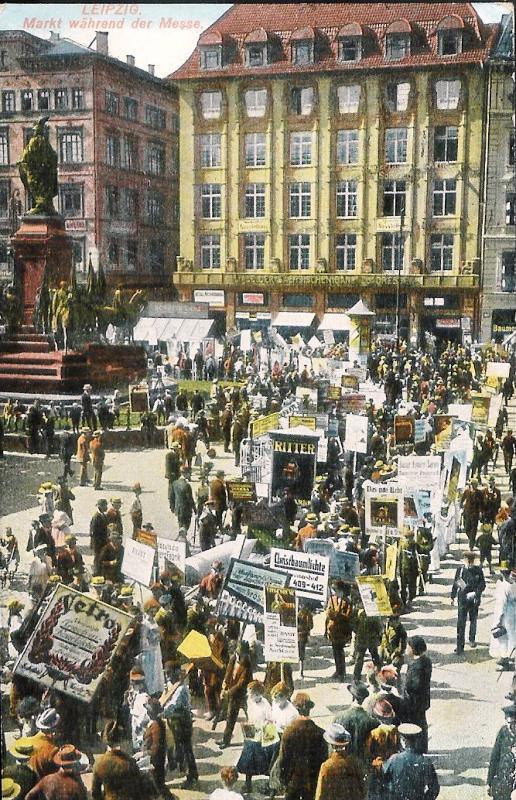Markt während der Messe.