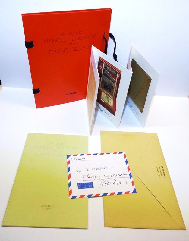 The Portable Museum of Marcel Duchamp. de ou par MARCEL DUCHAMP ou RROSE SELAVY.