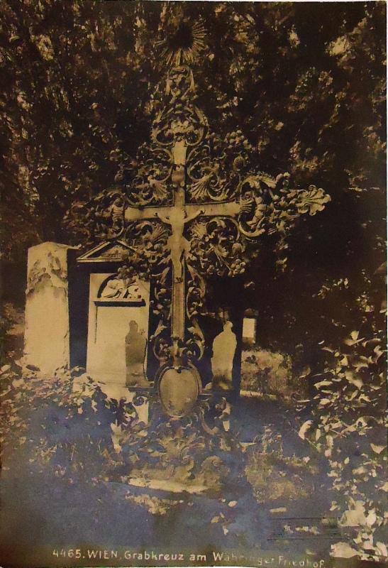 Originalfoto. Wien, Grabkreuz am Währinger Friedhof. Vintage.