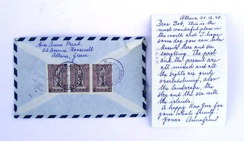 AUTOGRAPH - 1 eigenh. Postkarte von Anna Freud mit Unterschrift an Robert Burlingham. Kuvert mit eigenh. Adresse, Athen 1948.